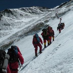 Ralf Dujmovits, un alpinistaindignat
